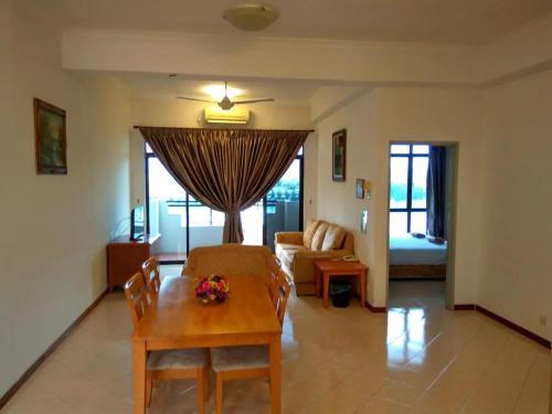 Marina Cove Resort Homestay Retreat @lumut, Manjung