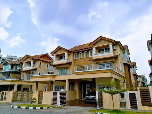 Island Green Lane 5R5B 24 Pax BB House, Pulau Penang