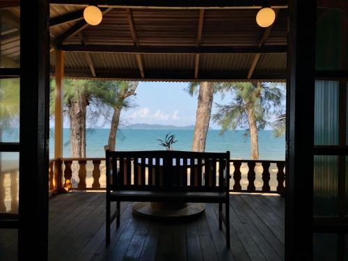Sunrise guest house, Marang