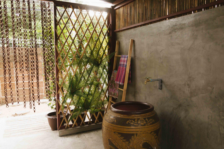 Banchanglor house, Bangkok Noi