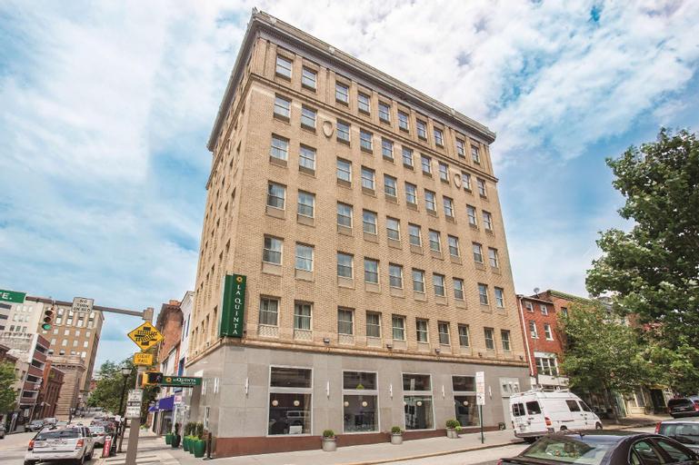 La Quinta Inn & Suites by Wyndham Baltimore Downtown (Pet-friendly), Baltimore