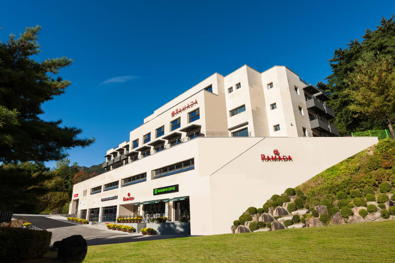 Ramada by Wyndham MungyeongSaejae Hotel, Mungyeong