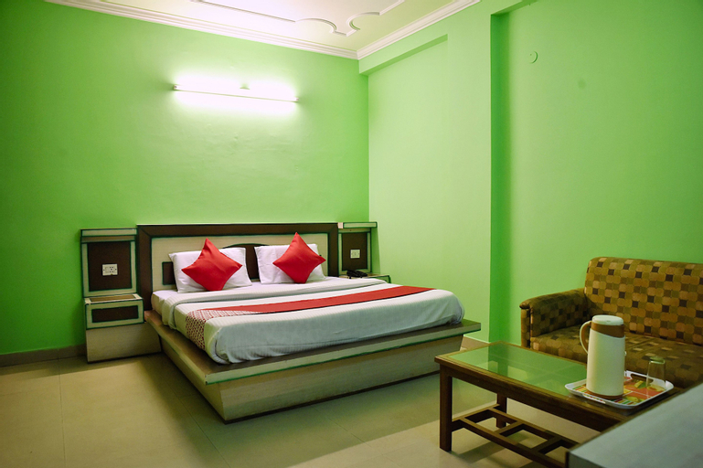 OYO 10752 Hotel Sitara International, Reasi