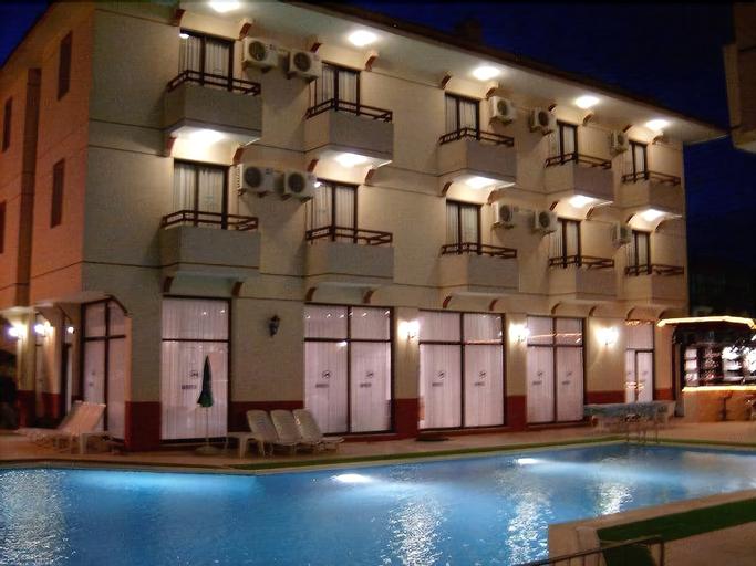 Kanarya Hotel, Çeşme