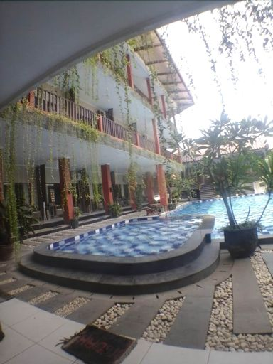 Holiday Beach Inn, Pangandaran