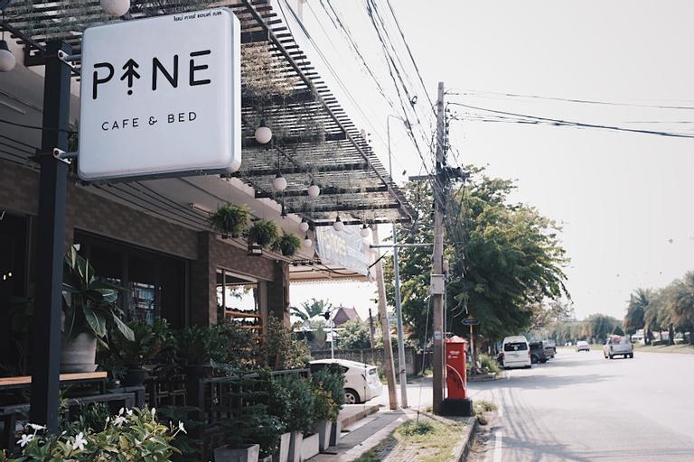 Pine Cafe and Bed, Phra Nakhon Si Ayutthaya