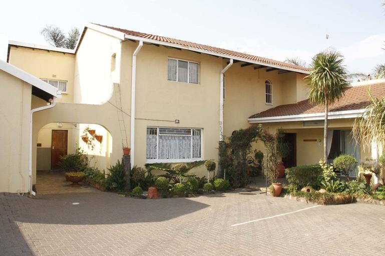 Kalahari Guest House, Nkangala