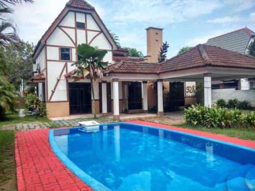 A'FAMOSA RESoRT VILLA 928 private pool 4 rooms for homestay, Alor Gajah