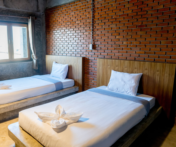 Tonfang Hotel, Fang