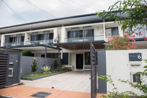 BDC Luxury Designer Home, Samarahan