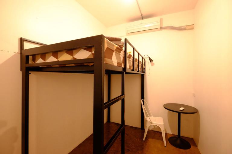 42 Guesthouse, Huai Kwang