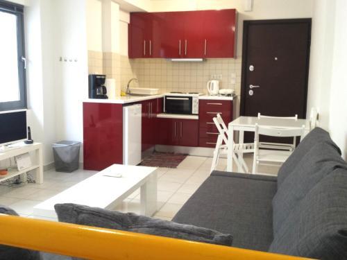 Elvita Apartments, Attica