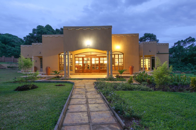 Brovad Sands Lodge, Bujumba