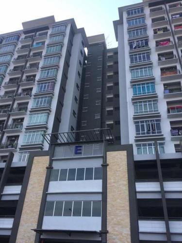 CD Homestay Section 25, Shah Alam, Klang