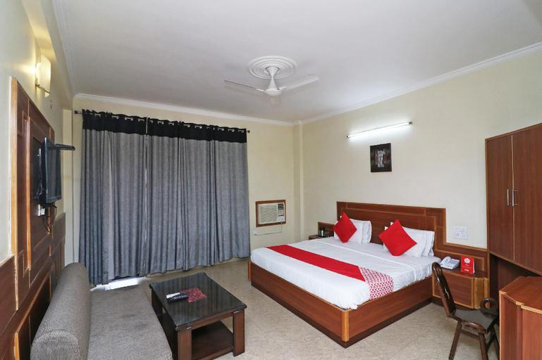 Capital O 4747 Imperial Hotel Katra, Reasi