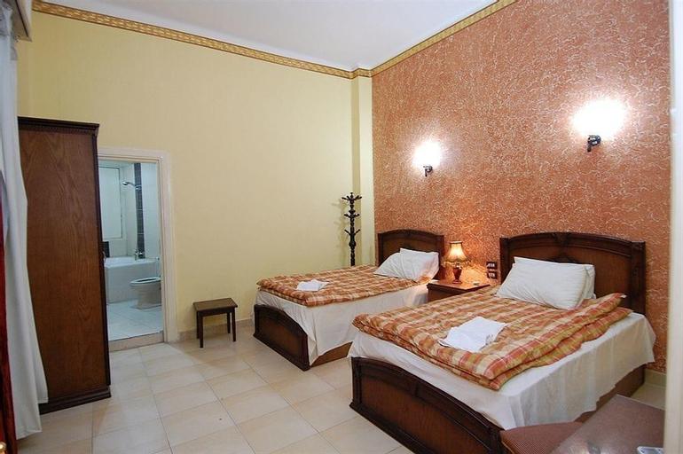 Hostel City Hotel, Al-Basatin