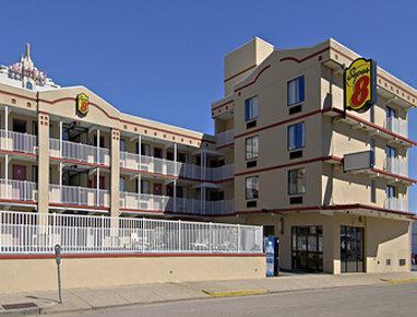 Super 8 by Wyndham Atlantic City, Atlantic