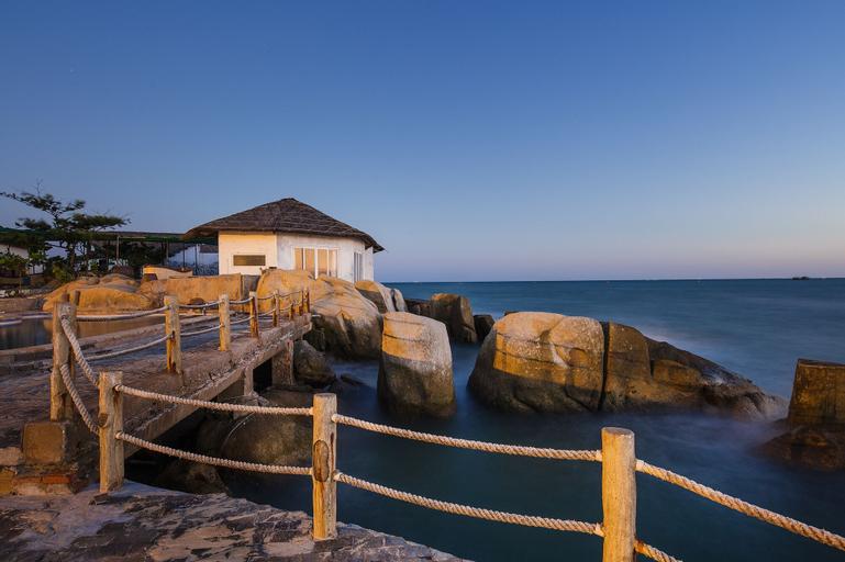 Rock Water Bay Beach Resort & Spa, Hàm Thuận Nam