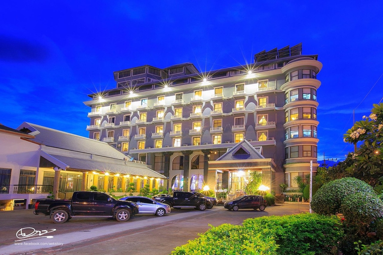 Lom Sak Nattirat Hotel, Lom Sak