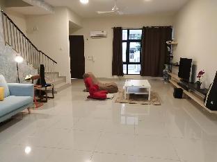 Avens three story house, Hulu Langat