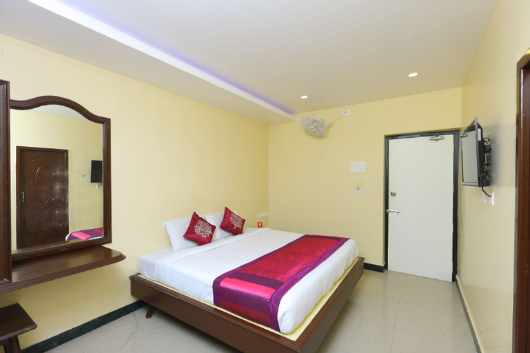 OYO 10199 Hotel B Coral, Puducherry