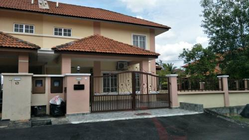 EZAS Homestay @ Bukit Mahkota, Hulu Langat