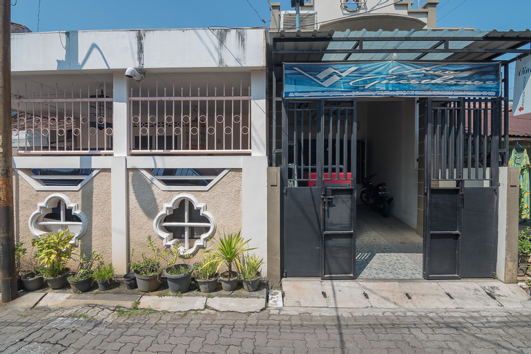 RedDoorz near MT Haryono Semarang, Semarang