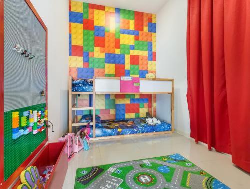 Hostahome Suites at D'Pristine opposite SeaLife Theme Park, Johor Bahru