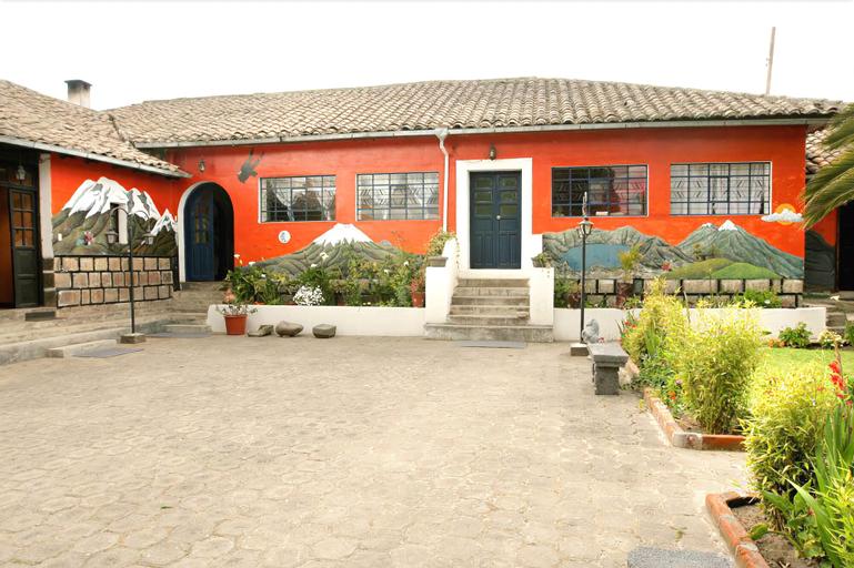 La Quinta Colorada, Latacunga