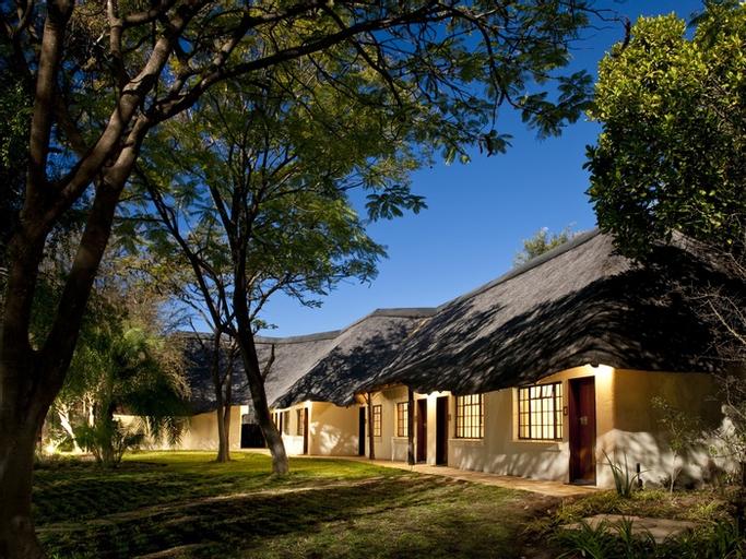 Mokuti Etosha Lodge, Guinas