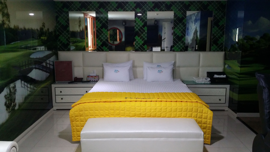 Somnus Motel, Jung