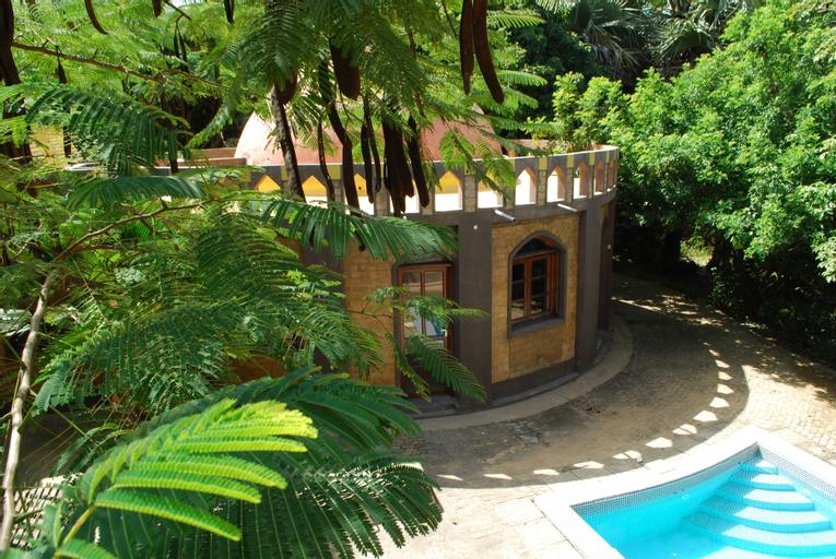 Sandele Eco Retreat, Kombo South