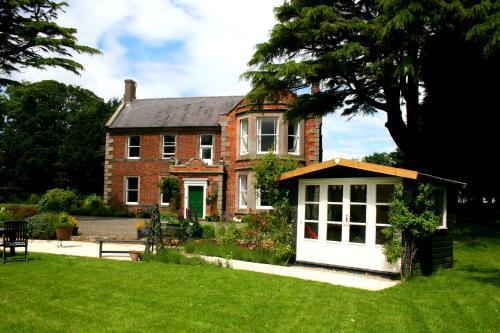 Broomhouse Farmhouse, Northumberland