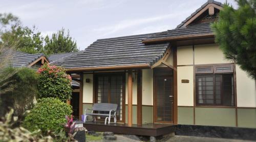 Villa Kota Bunga Ade Type Jepang - 0222, Cianjur