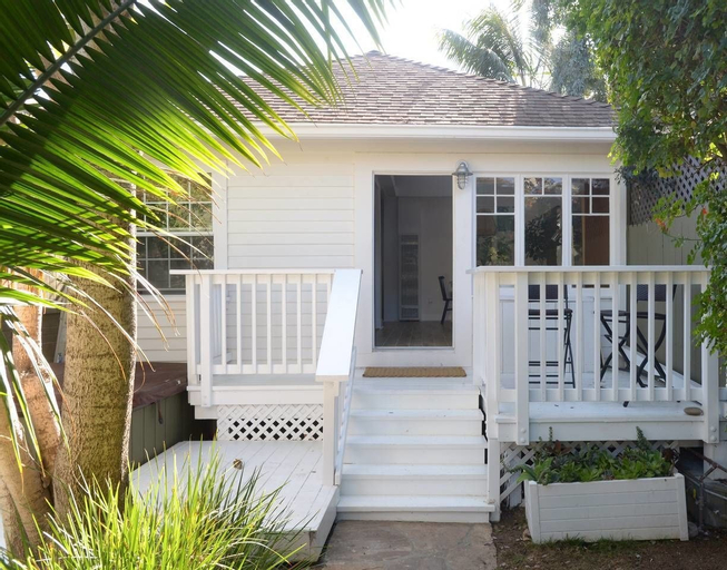 Charming 2br/2ba Cottage - Close to the Beach, Los Angeles