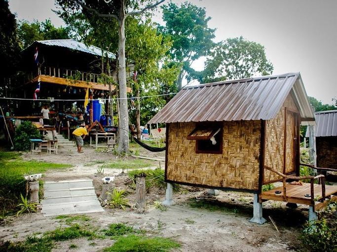 Lipe Camping Zone (Pet-friendly), Muang Satun
