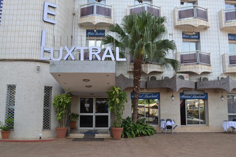 Le Luxtral Hotel, Mfoundi