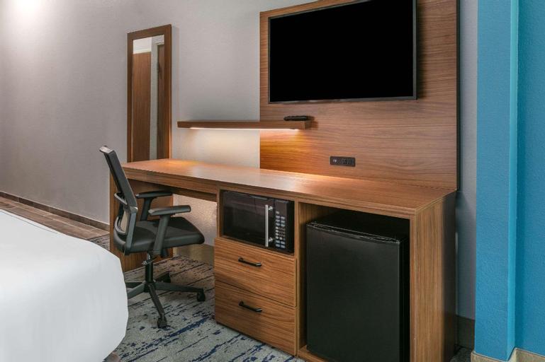La Quinta Inn & Suites by Wyndham Jacksonville TX (Pet-friendly), Cherokee