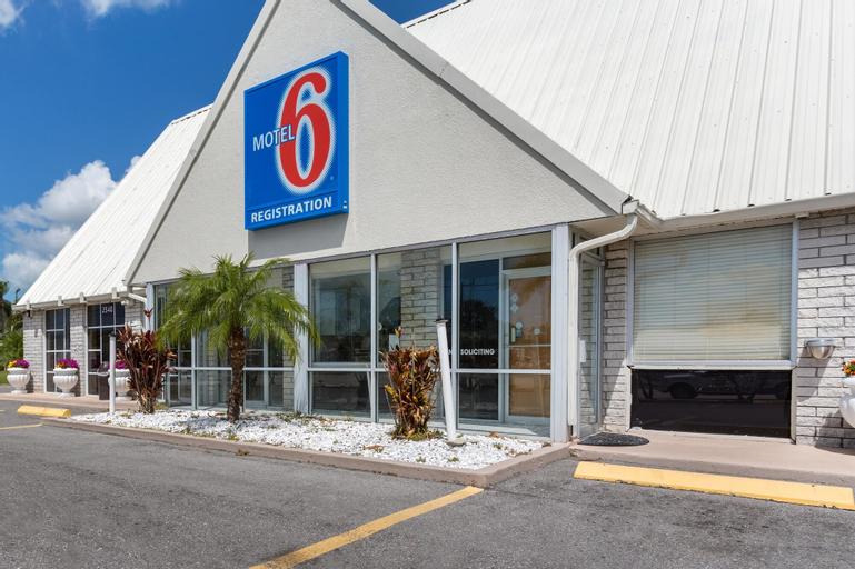 Studio 6-Englewood, FL, Charlotte