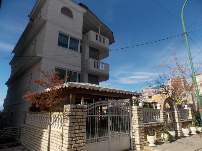 Villa Xika, Sarandës