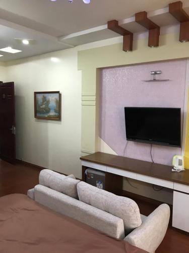 Khanh Phong Apartment 30C road 30m 193 Van Cao, Ngô Quyền