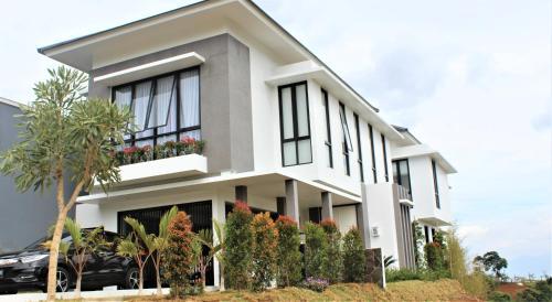 Noah's Ark Villa, Bandung