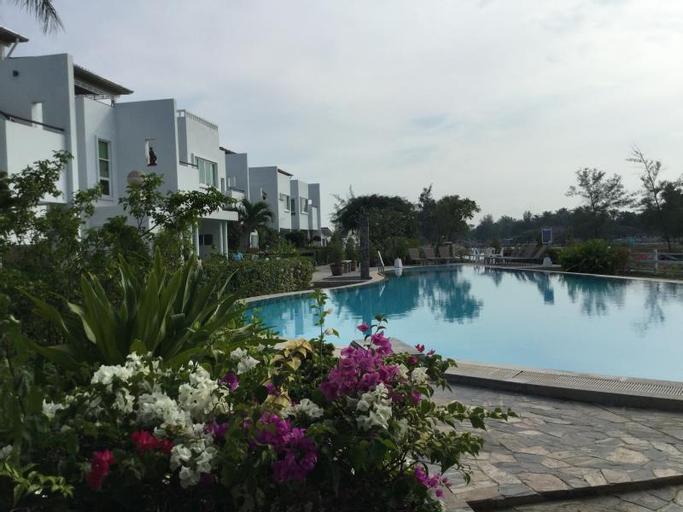Seaside villas, Thap Sakae