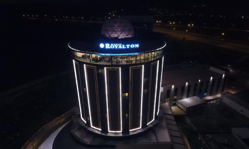 Royalton Hotel, Toprakkale