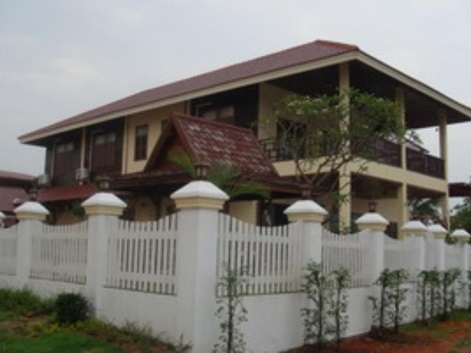 Keerawan House Rim Khong, Phon Phisai