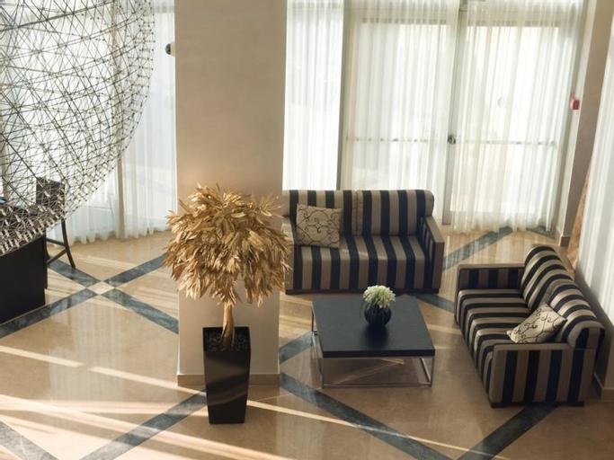 Ramada Netanya Hotel and Suites,