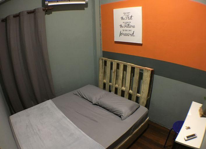 Loft Waterfront Hostel, Kuching