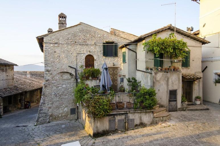Casa della Torre in Borgo Medievale, Terni