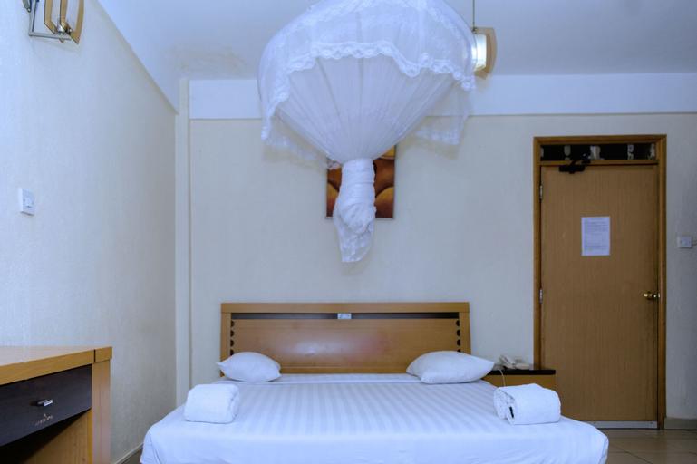 Aponye Hotel, Kampala