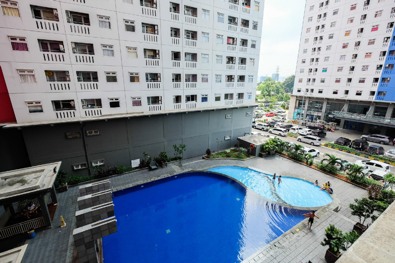 Furnished Green Pramuka 2BR near Mall By Travelio, Central Jakarta